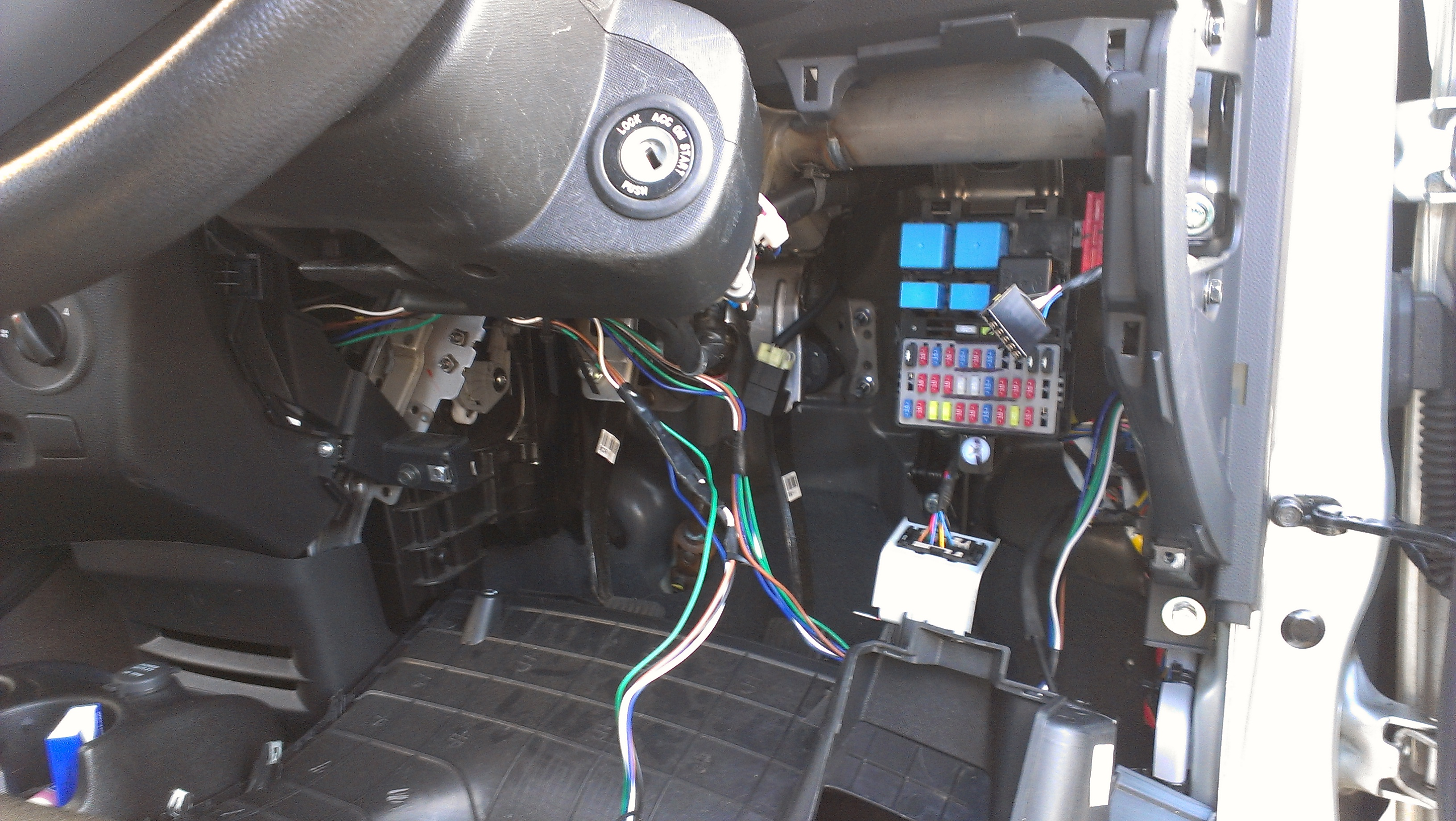 kia sportage canister purge valve location get free kia ceed 2014 fuse box diagram kia ceed 2009 fuse box location